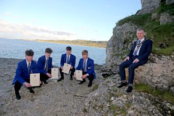 Mayor praises schoolboys for their heroic actions