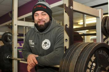 Powerlifter Peter (32) plans to make his mark in American competitions