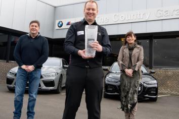 Welsh champ Jordan visits Country Garage sponsor