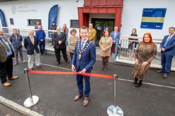 Mayor officially opening the Sandy Bay Centenary Pavilion